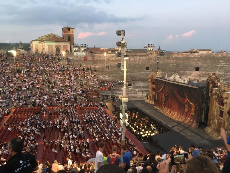 2019夏のイタリア旅行記20 アレーナの野外オペラ_d0041729_22333382.jpg