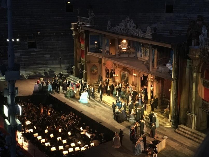 2019夏のイタリア旅行記20 アレーナの野外オペラ_d0041729_22371439.jpg