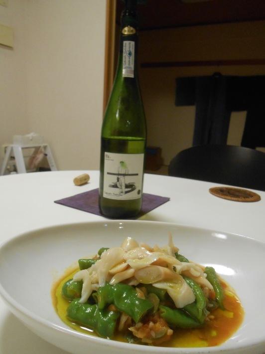 イシガキ貝とアワビでバスク地方のチャコリを飲みました。_a0095931_10200631.jpg