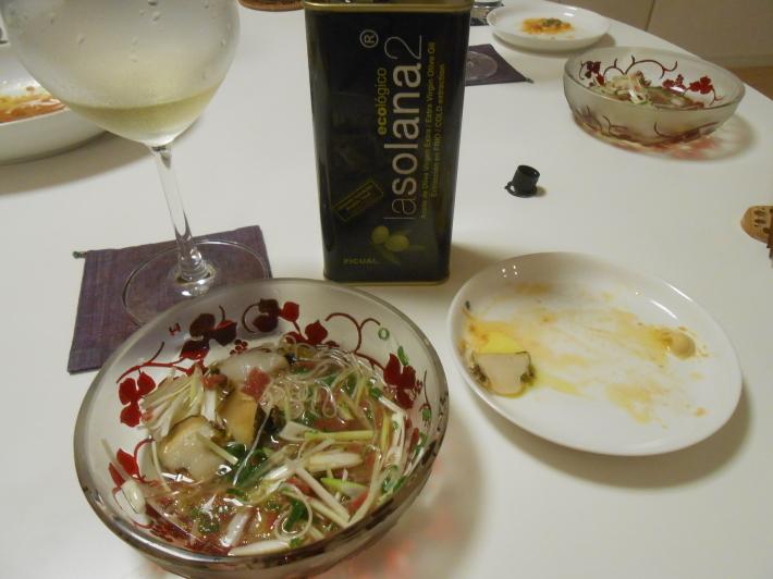 イシガキ貝とアワビでバスク地方のチャコリを飲みました。_a0095931_10472055.jpg