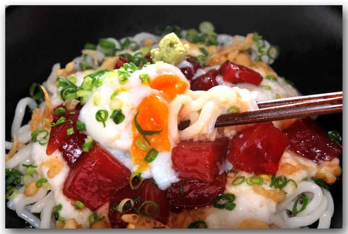 メシ通『魚介を使った簡単レシピ』 ☆ とろろと漬けまぐろのぶっかけうどん_d0069838_08555607.jpg