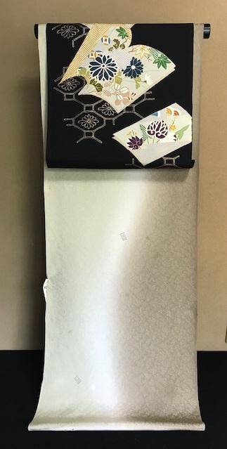 商品紹介・野口染帯・絵本金彩墨地+三眠蚕着尺。_f0181251_16590175.jpg