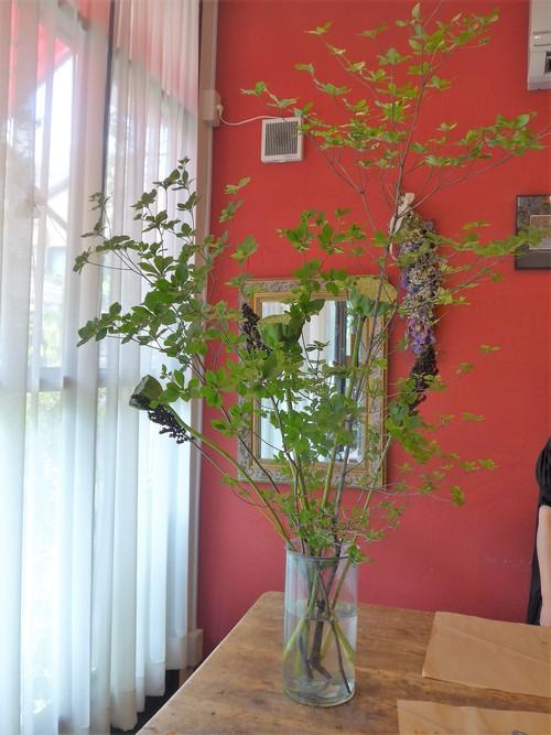 花修行~「チクロ」さんの店内装飾~_f0232060_22232857.jpg