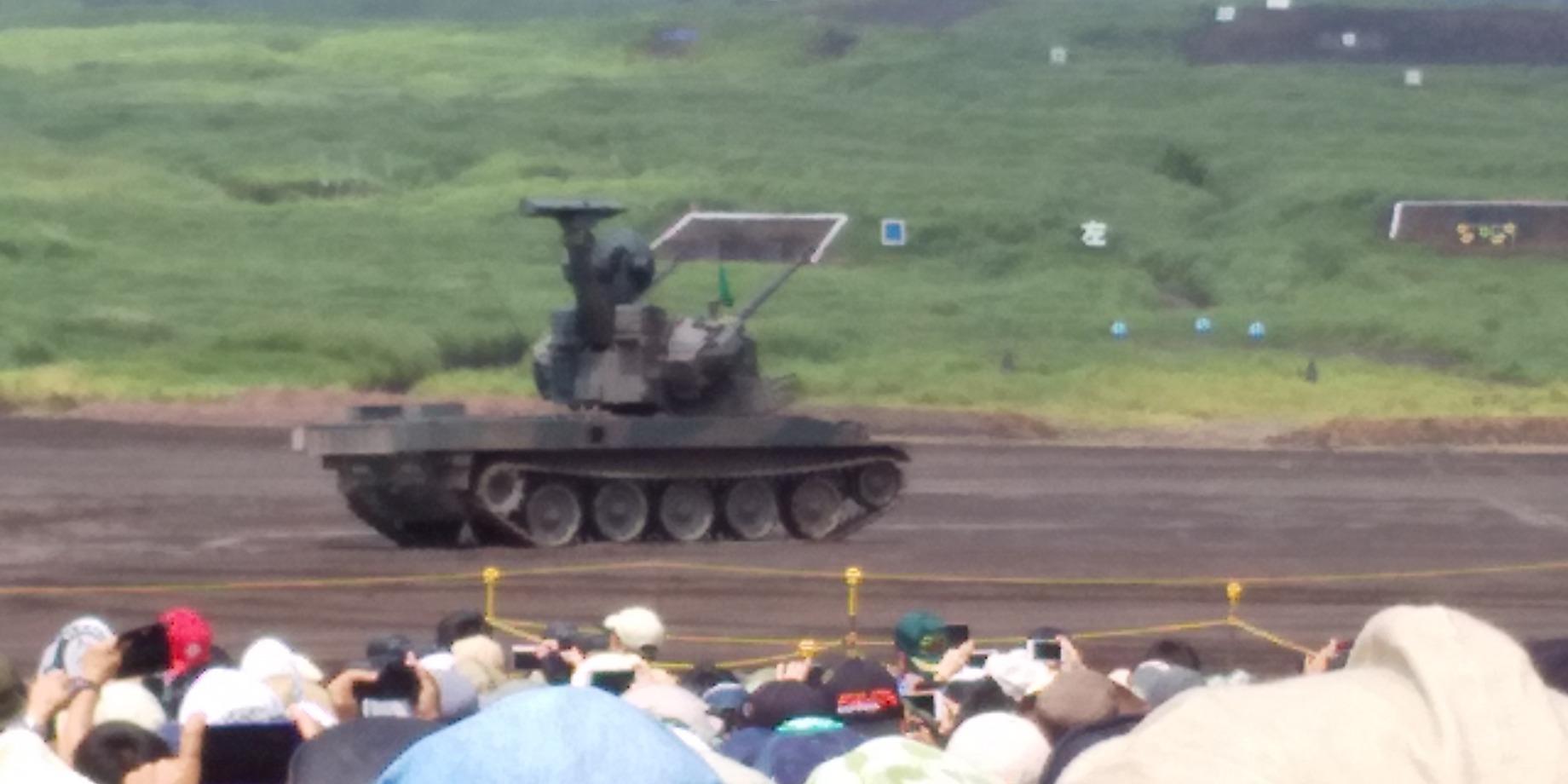 😲 はじめての自衛隊・演習 😲 実弾約35トン、約5億5000万円富士総合火力演習 😲😲😲_f0061067_18223244.jpg