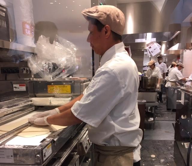 DinTaiFungより長い丸亀製麺の長い列_e0350971_06101144.jpg