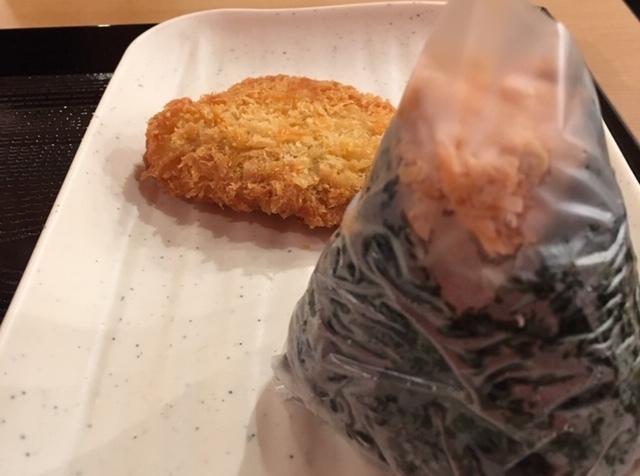 DinTaiFungより長い丸亀製麺の長い列_e0350971_06123538.jpg