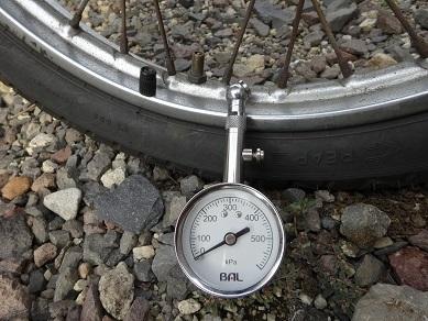 普段から気にしたいタイヤの空気圧_a0064474_17073495.jpg