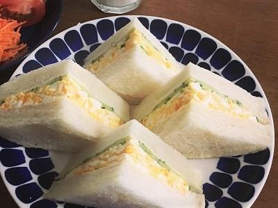 桃のサンドイッチとカスタードプリン_f0231189_21342558.jpg