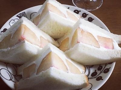 桃のサンドイッチとカスタードプリン_f0231189_21345090.jpg