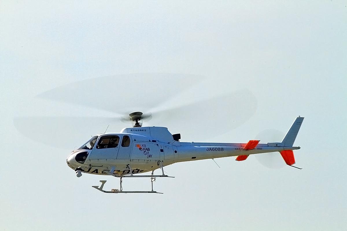 テレビ局ヘリコプター九州。_b0044115_03102184.jpg