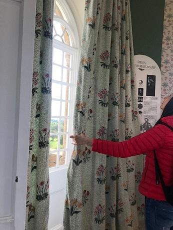 ウィリアムモリスの孔雀・V&A博物館の孔雀のタイルそして。_f0181251_18184693.jpg