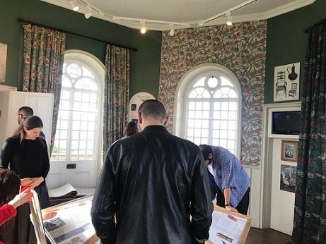 ウィリアムモリスの孔雀・V&A博物館の孔雀のタイルそして。_f0181251_18195603.jpg