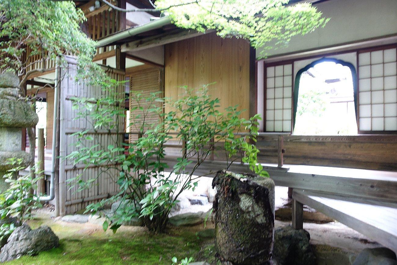 妙心寺 桂春院(その2)思惟の庭と真如の庭_c0112559_08115040.jpg