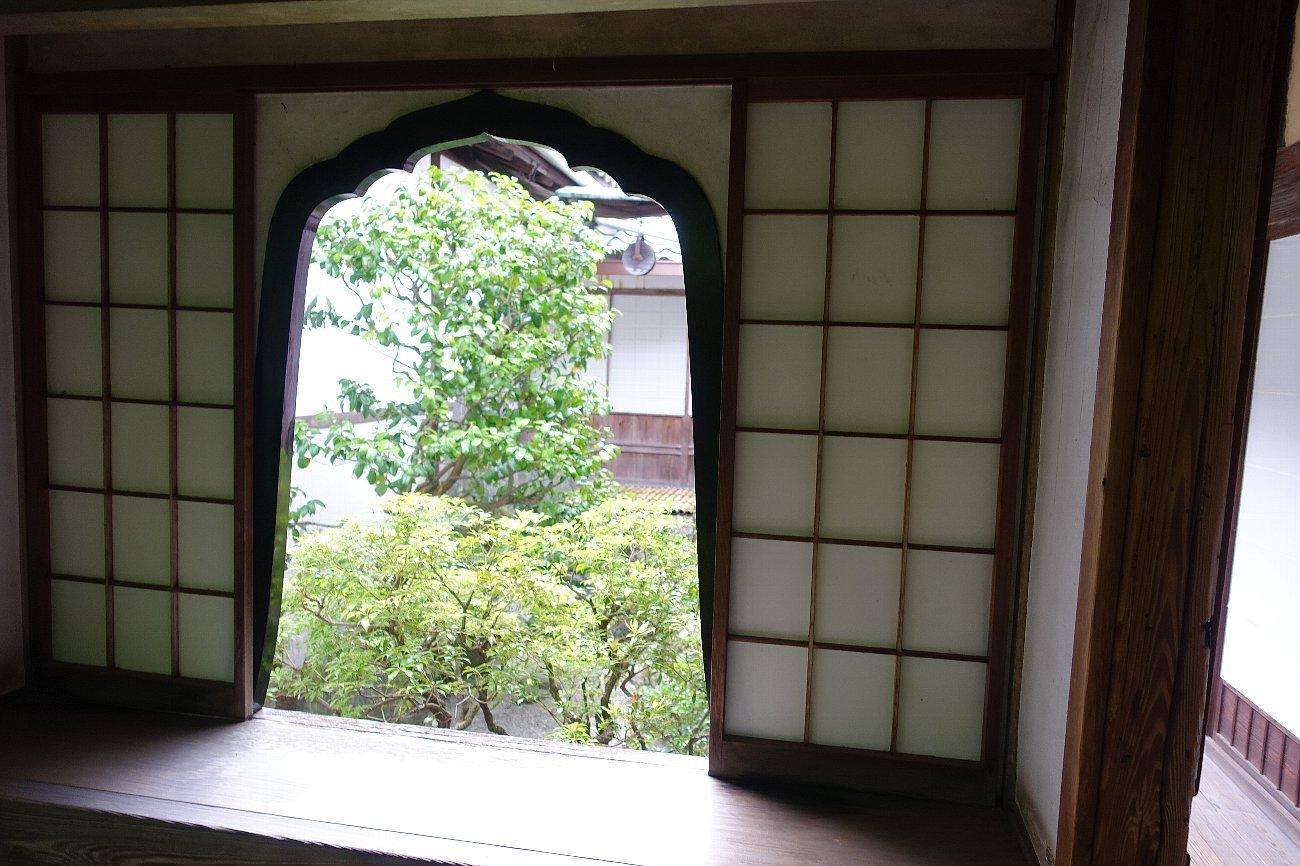 妙心寺 桂春院(その2)思惟の庭と真如の庭_c0112559_08123610.jpg