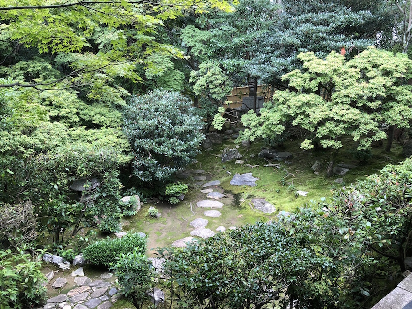 妙心寺 桂春院(その2)思惟の庭と真如の庭_c0112559_08134404.jpg