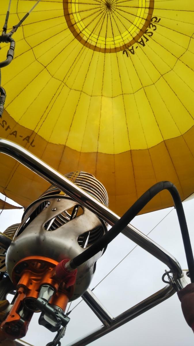 北海道旅行の思い出 ニセコで気球に乗りました_f0076001_23260252.jpg