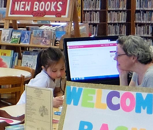 NYの歴史たっぷりな図書館の子ども本コーナー、Jefferson Market Library Children Books Room_b0007805_01125865.jpg