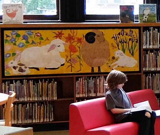 NYの歴史たっぷりな図書館の子ども本コーナー、Jefferson Market Library Children Books Room_b0007805_01141853.jpg
