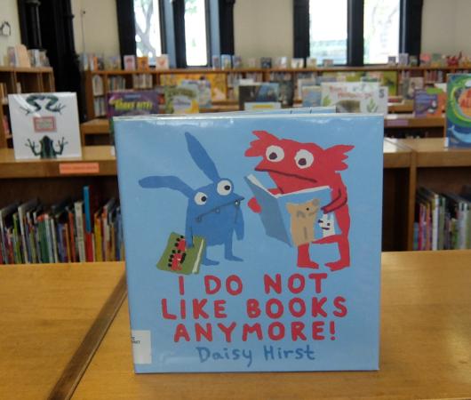 NYの歴史たっぷりな図書館の子ども本コーナー、Jefferson Market Library Children Books Room_b0007805_01260007.jpg