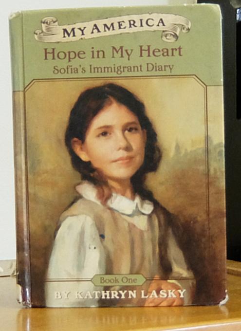 NYの歴史たっぷりな図書館の子ども本コーナー、Jefferson Market Library Children Books Room_b0007805_01290659.jpg