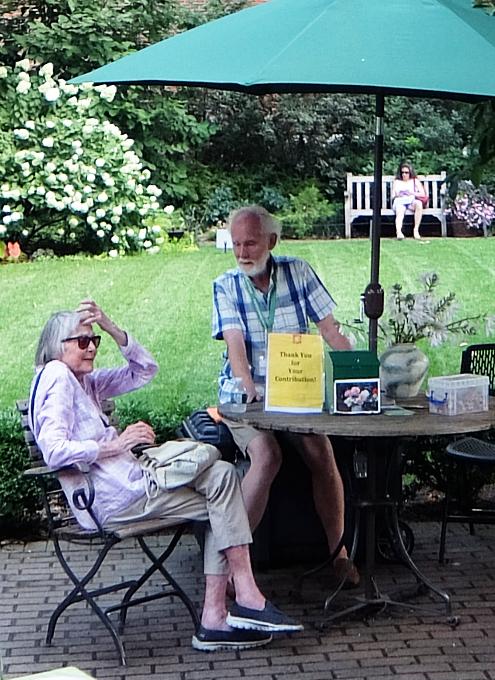NYグリニッジ・ビレッジの隠れ家的ガーデン、Jefferson Market Garden_b0007805_02342327.jpg