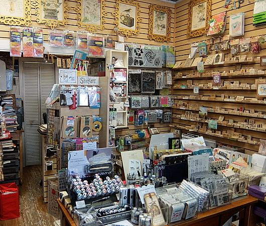 ニューヨークで20年以上続く小さなスタンプ専門店、インク・パッド(The Ink Pad)_b0007805_06082389.jpg