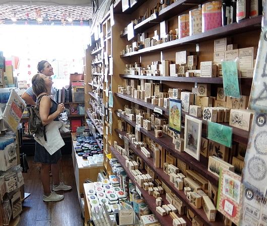ニューヨークで20年以上続く小さなスタンプ専門店、インク・パッド(The Ink Pad)_b0007805_06154471.jpg