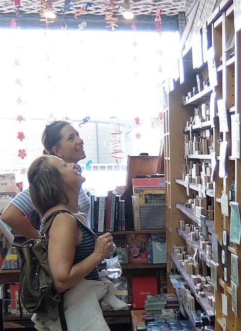 ニューヨークで20年以上続く小さなスタンプ専門店、インク・パッド(The Ink Pad)_b0007805_06162503.jpg