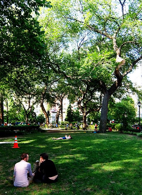 夏のニューヨーク、ユニオン・スクエア公園の様子_b0007805_08513209.jpg