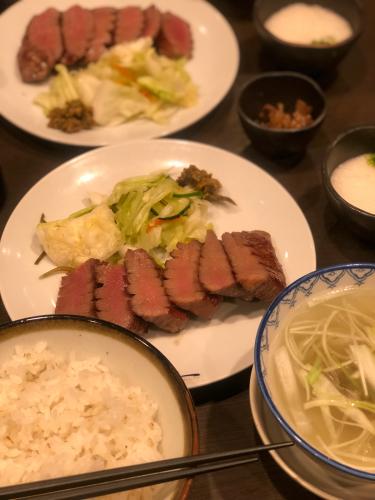 牛タン 仙台駅 利休_b0048834_13392435.jpg