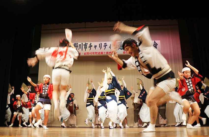 2019年吉野川市チャリティー選抜阿波踊り-04♪風来坊連-2♪_d0058941_20264315.jpg