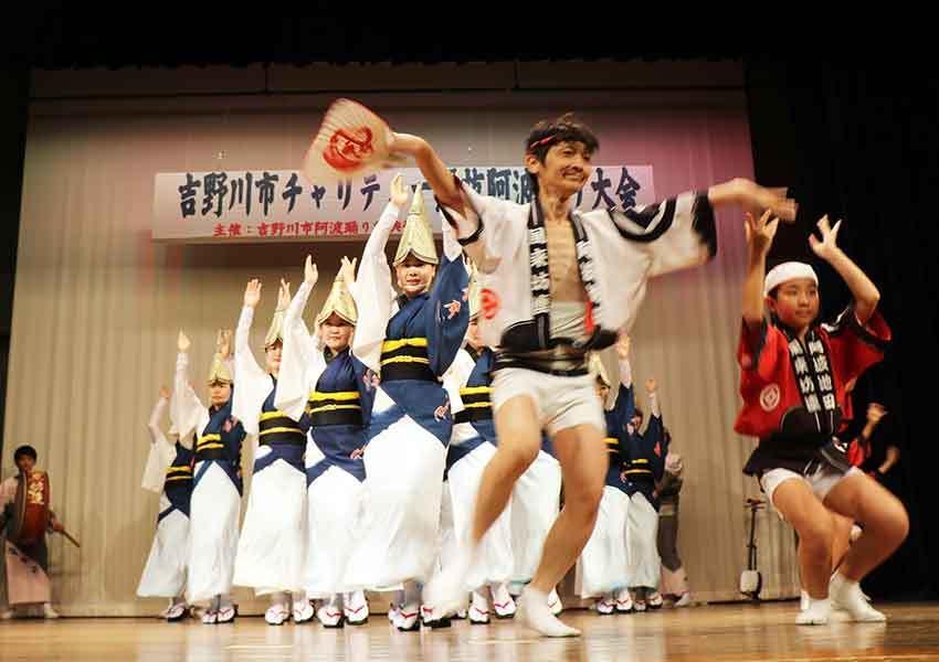2019年吉野川市チャリティー選抜阿波踊り-04♪風来坊連-2♪_d0058941_20282970.jpg
