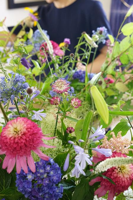 6月のレッスン 初夏の草花を使った投げ入れ 2_f0127281_11563906.jpg