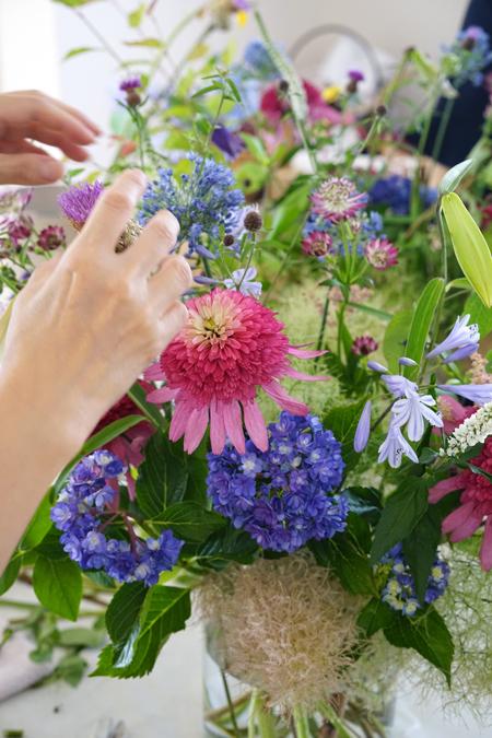 6月のレッスン 初夏の草花を使った投げ入れ 2_f0127281_11565035.jpg