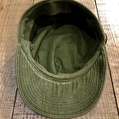 "1960s \"" U.S ARMY \"" 100% cotton SATEEN OG-107 VINTAGE UTILITY CAP - SNOOPY ピンズ付 - ._d0172088_17234553.jpg"
