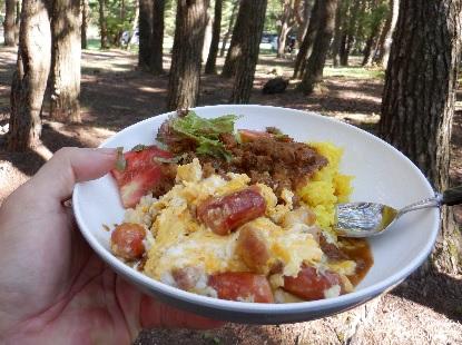 キャンプの朝食はカレーで_e0077899_8352237.jpg