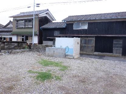 残された風呂場_e0077899_84002.jpg