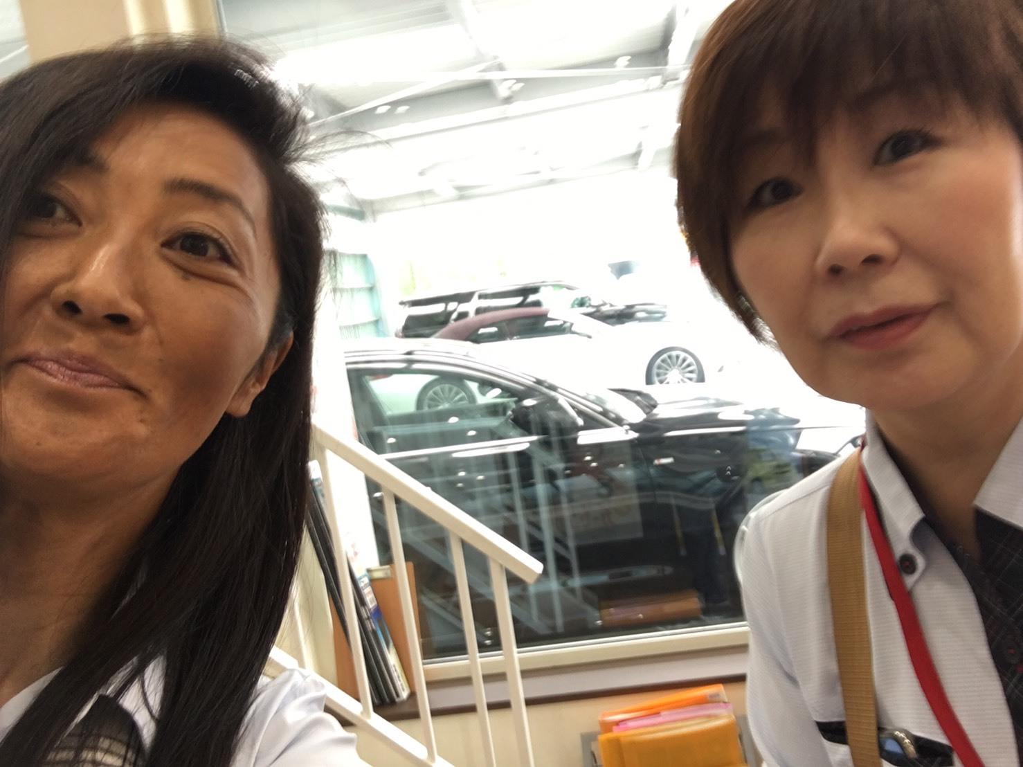 8月29日(木)☆新車エスカレードあります♡ランクル ハマー ハイエース♡TOMMY♡_b0127002_18001209.jpg