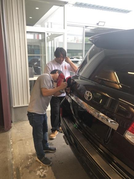 8月29日(木)☆新車エスカレードあります♡ランクル ハマー ハイエース♡TOMMY♡_b0127002_18543342.jpg