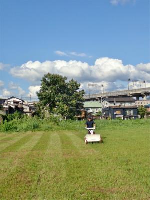 耐久山岳マラソンなどの準備で駐車場の草刈りをしました_c0336902_14173464.jpg