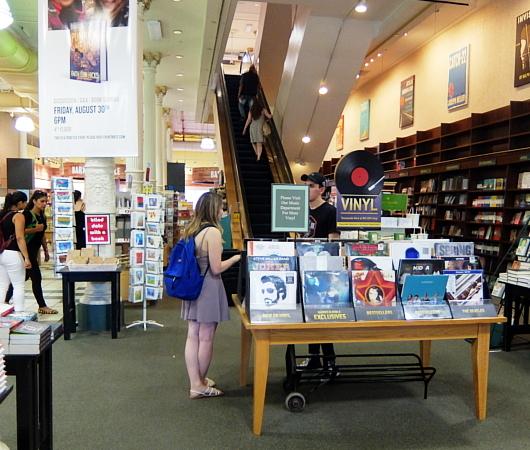 バーンズ&ノーブル(Barnes & Noble)のユニオン・スクエア店_b0007805_00311196.jpg