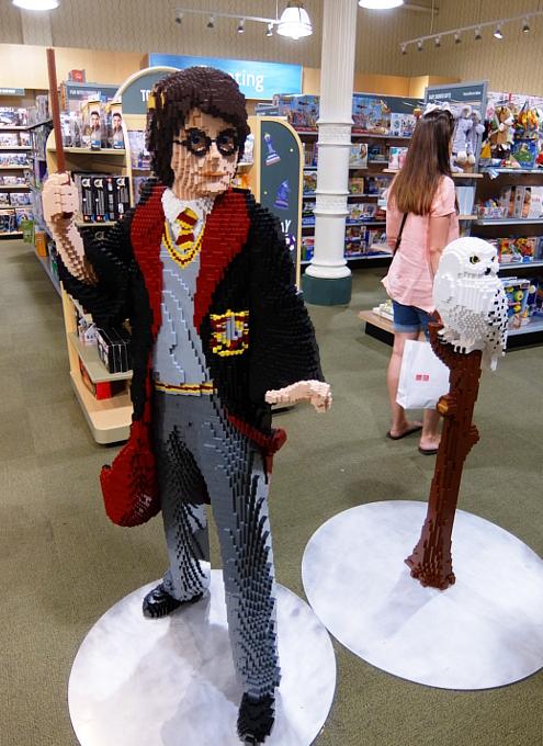 レゴ・ブロック製のハリー・ポッターとヘドウィグ_b0007805_03311386.jpg