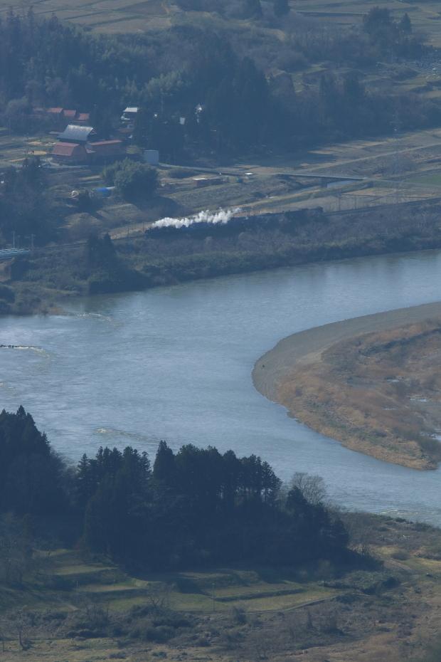 うねる北上川と小さな白煙 - 2019年春・東北本線 -_b0190710_22245971.jpg