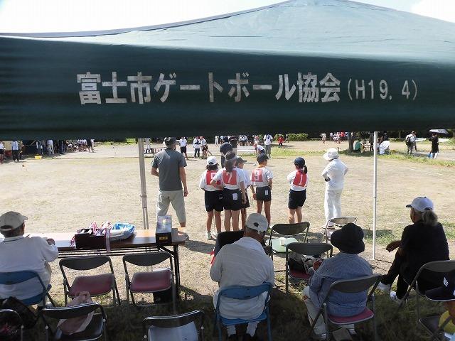 暑さが堪える中、第24回富士市ゲートボールジュニア大会in雁(かりがね)公園_f0141310_07462008.jpg