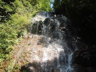 シャワー三昧の粥川は秋の気配_c0359615_21490901.jpg