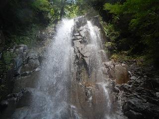 シャワー三昧の粥川は秋の気配_c0359615_21492770.jpg