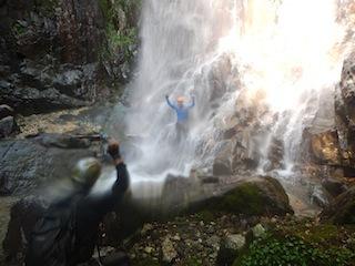 シャワー三昧の粥川は秋の気配_c0359615_21500629.jpg