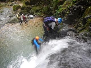 シャワー三昧の粥川は秋の気配_c0359615_21504285.jpg