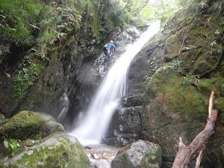 シャワー三昧の粥川は秋の気配_c0359615_21510571.jpg