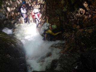 シャワー三昧の粥川は秋の気配_c0359615_21511825.jpg